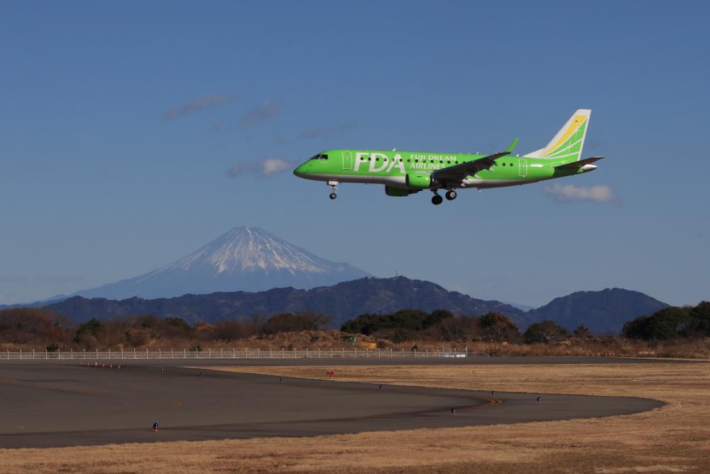静岡空港でジェット機を撮影してみた【静岡空港東側展望台】